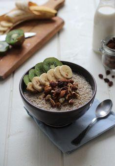 Quinoa porridge for an healthy breakfast Pudding Au Quinoa, Quinoa Porridge, Quinoa Benefits, Desserts Sains, Cooking Recipes, Healthy Recipes, Healthy Food, Brunch, How To Cook Quinoa