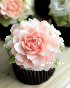 lotus eater, these cupcakes make you forget about the outside world.