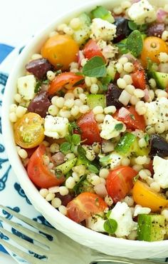 Chopped Salad Mediterranean Chopped Salad - loaded with fresh vibrant flavors.Mediterranean Chopped Salad - loaded with fresh vibrant flavors. Vegetarian Recipes, Cooking Recipes, Healthy Recipes, Cooking Tips, Lasagna Recipes, Chickpea Recipes, Carrot Recipes, Cabbage Recipes, Cauliflower Recipes