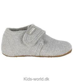 Living Kitzbühel Hjemmesko - Uld - Lys Gråmeleret Crocs, Crochet Pattern, Ballerina, Ravelry, Uld, Baby Shoes, Slippers, Winter, Filet Crochet