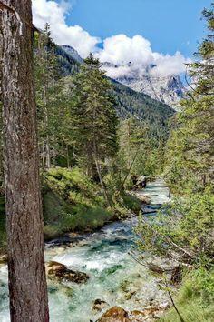 so findest du diese magischen Plätze im Karwendel - Seefeld in Tirol Felder, Mountains, Nature, Travel, Beautiful Landscapes, Road Trip Destinations, Bavaria, Vacation, Viajes