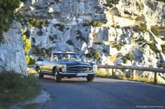 Mercedes-Benz 280 SL Pagode grün in der Provence | Nostalgic Oldtimerreisen