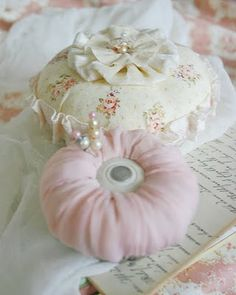 pincushions...I love collecting them and making them.  Repinned from my board: Pincushions