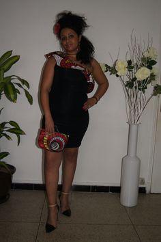www.cewax.fr aime robe drapée avec volant en wax rouge : Tissus par balosa-matadi