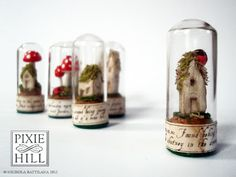 """Pixie Hill: How to. make Faerie Specimens Nichola """"Knickertwist"""" Battilana is a delightful artist! Mini Bottles, Bottles And Jars, Craft Projects, Projects To Try, Theme Harry Potter, The Bell Jar, Bell Jars, Miniature Crafts, Miniature Tutorials"""