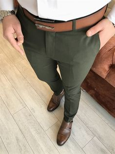 İtalyan stil slim fit erkek kumaş pantolon Yeşil T4814 Trendy Mens Suits, Stylish Mens Outfits, Men Casual, Casual Outfits, Mens Fashion Sweaters, Fashion Men, Polo Outfit, Formal Men Outfit, Mens Dress Pants