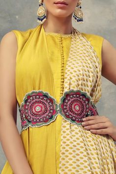 Indian Look, Dress Indian Style, Indian Ethnic Wear, Stylish Dress Designs, Stylish Dresses, Casual Dresses, Belts For Women, Clothes For Women, Tunics