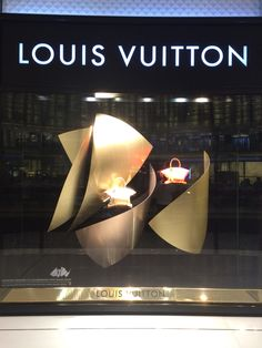 #Louis Vuitton window display designed by Frack Gehry #Dubaimall #2014