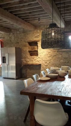 Rustic Dining Room by Marcello Gavioli Source by helenekerdiles Home Decor Kitchen, Rustic Kitchen, Kitchen Design, Kitchen Stone Wall, Modern Rustic, Modern Decor, Rustic Style, Country House Design, Stone Houses