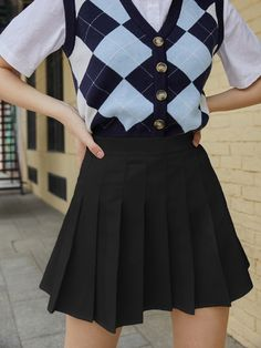 Kpop Fashion Outfits, Korean Outfits, Cute Fashion, Look Fashion, Swaggy Outfits, Cute Casual Outfits, Pretty Outfits, Black Skirt Outfits, Pleated Skirt Outfit Short