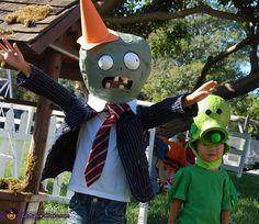 Plants vs. Zombies - Halloween Costume Contest via @costumeworks Most Creative Halloween Costumes, Homemade Costumes For Kids, Zombie Halloween Costumes, Zombie Party, Halloween Diy, Halloween Decorations, Halloween Stuff, Costume Works, Family Costumes