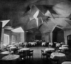 The casino dance floor of the Scala restaurant in Berlin (1921-22)
