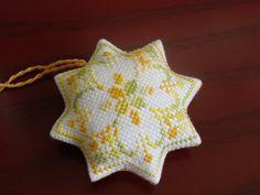 Star Biscornu - Pattern: http://www.pinterest.com/pin/374291419002025290/