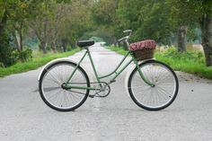 OLD-NEW ´Favorit´ Bicycle ...about redesign of old bicycle.
