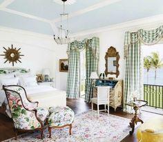 guest bedroom in Florida home ~ David Easton design