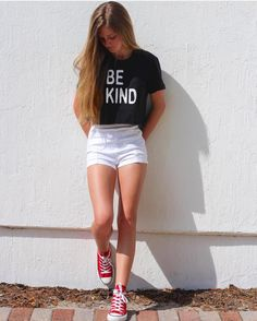 We are loving that our beautiful @brooklyngabby is spreading the #bekind message all the way from sunny Florida. Thank you for being such a positive influence for others! We love you #kindnessmatters #modelforacause #bethechange #fashionwithpurpose #madetomakeadifference #endslavery #fighthumantrafficking #izzybe #izzybeclothing