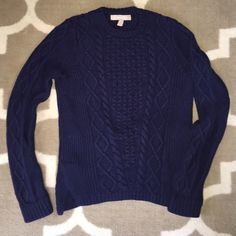 Banana Republic xs petite navy knit sweater Worn a few times, great condition! Smoke free home! Banana Republic Sweaters