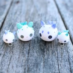 Hai everyone! Update will be happening next weekend just painting the rest of the sea creatures now! This is a little bunny sea slug Ohana (I have to remember they are just charms/figures and I'm not really breaking up a family) by thelittlemew