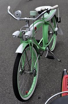 ive been needing a new bike for summer, it'd be kinda cool to have a vintage one like this
