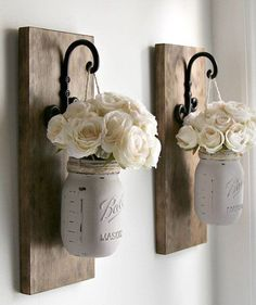 Mason Jar Wall Decor | Find the best craft ideas for how to decorate mason jars, for Christmas gifts that everyone on your list will love.