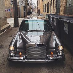 "drivingbenzes: "" Mercedes-Benz 300SEL (Instagram @benzclubofficial) """