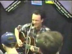 Even without a huge arena or band to back him...this is amazining testimony to talent as a very young Dave Matthews plays a rendition of Warehouse in 1993 to a record store audience. Incredible