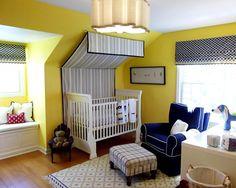 Babyzimmer mit Dachschräge