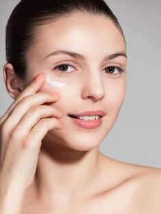 7 Makeup Mistakes You're Making In Humid Weather | Gurl.com