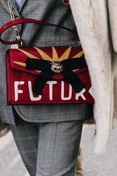 Milan .... Estupendo bolso con logo..... Me encanta!!!