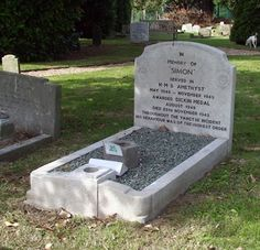 """Simon's resting place at the PDSA Animal Cemetery in Ilford. His gravestone reads:    IN  MEMORY OF  """"SIMON""""  SERVED IN  H.M.S. AMETHYST  MAY 1948 — NOVEMBER 1949  AWARDED DICKIN MEDAL  AUGUST 1949  DIED 28TH NOVEMBER 1949.  THROUGHOUT THE YANGTZE INCIDENT  HIS BEHAVIOUR WAS OF THE HIGHEST ORDER"""