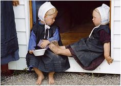 Amish Girls. too cute!!