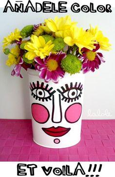 RECICLA TUS LATAS EN RISUEÑAS MACETAS Old Paper, Clay Pots, Decoupage, Upcycle, Planter Pots, Recycling, Diy Crafts, Crafty, Canning