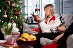 Η νέα χριστουγεννιάτικη συλλογή της ΙΚΕΑ τα έχει όλα, για να κάνετε τις φετινές γιορτές πραγματικά όμορφες! Κάνε re-pin αυτή τη φωτογραφία και μπες στην κλήρωση για μία δωροκάρτα ΙΚΕΑ αξίας 50€ και ένα λεύκωμα για τα 10 χρόνια ΙΚΕΑ στην Ελλάδα!