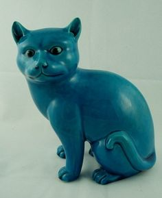 Chinese export turquoise porcelain cat