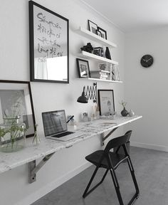 minimalist workspace I black and white workspace I legless desk