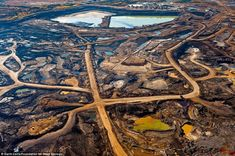 The Global Ecology, Economic Growth and Pollution: What Humans Are Really Doing to Our Planet. Our Planet, Our World, Photo Choc, Oil Sands, Especie Animal, The Matrix, Powerful Images, Image Shows, Aerial View