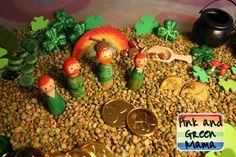 Pink and Green Mama: * Peg Doll Leprechauns & St. Patrick's Day Sensory Box