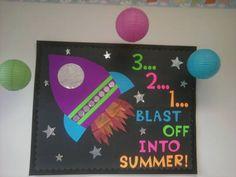 Space Bulletin Board #bulletin board #preschoolbulletinboard #spacebulletinboard #summerbulletinboard