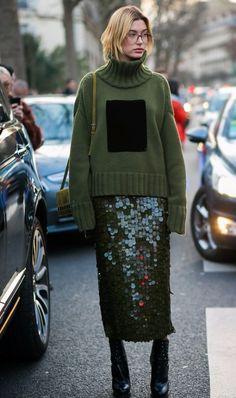 New fashion week street style winter sweaters 39 ideas Fashion Mode, Look Fashion, Skirt Fashion, Urban Fashion, Daily Fashion, Street Fashion, Trendy Fashion, Winter Fashion, Fashion Trends