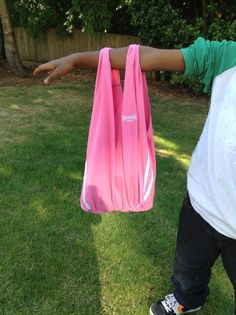 How to Make a Tote Bag From an Old T-Shirt (No Sewing!)