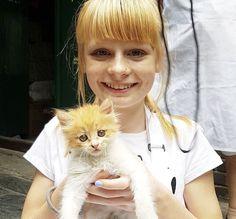 Mia Fizz and cat! 💜