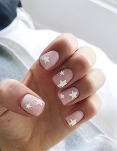 Pink nails with white star nail art - Pinterest @catherinesullivan2017✨