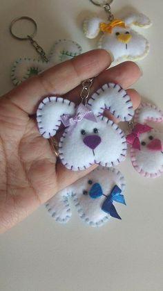 Felt Crafts Diy, Bunny Crafts, Easter Crafts, Fabric Crafts, Crafts For Kids, Felt Christmas, Christmas Crafts, Couture Main, Felt Bunny