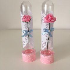 Tubete decorado com Flor de tecido. Delicado e chique!  Disponível em outras cores.