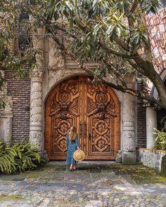 Coyoacán // Die bekanntesten Orte in Mexiko-Stadt Mexico … - Trend Travel Mexico Honeymoon, Mexico Vacation, Mexico Travel, Santorini Honeymoon, Italy Vacation, Cruise Vacation, Disney Cruise, Mexico Destinations, Mexico Resorts