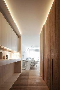 eclairage indirect pour le salon avec decoration en bois