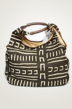 Ethnic style for this Ralph Lauren fabric bag. Perfect to go out in these summer nights, bringing all your life with you. http://flooly.com/gb/ralph-lauren-women-large-fabric-bag/12380