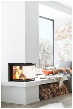 ▷ Kamin und Kaminofen – Funktionen, Kauftipps, Modelle Fireplace with three glazed windows by Brunner Kitchen Living, Home Living Room, Living Spaces, Home Fireplace, Fireplace Design, Fireplaces, Sweet Home, Model Homes, Home Fashion