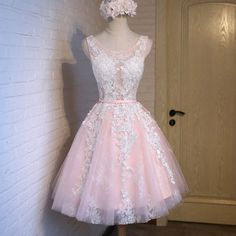 Short pink lace tight cute charming freshman homecoming prom gowns dress The pink lace tight cute homecoming dresses are fully lined, 8 bones in the bodice, chest pad in the bust, lace up back or zipp