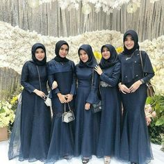 Hijab Prom Dress, Muslimah Wedding Dress, Hijab Style Dress, Hijab Wedding Dresses, Dress Outfits, Bridesmaid Dresses, Dress Muslimah, Lace Bridesmaids, Dress Brokat Muslim
